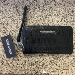 Steve Madden Black Leather Zip Wallet